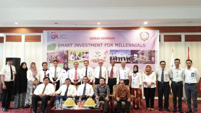 Manajemen OJK berfoto bersama manajemen Patria Artha di kampusnya, Jl Tun Abdul Razak, Makassar, beberapa waktu lalu